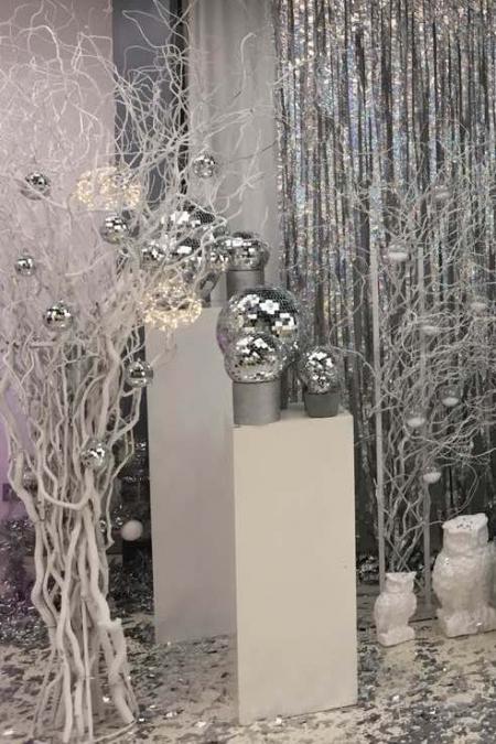 Тумбы белые декоративные