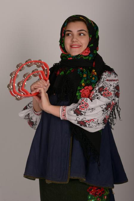 Костюм украинский женский 3