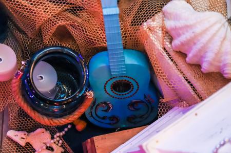 Голубая гитара маленькая