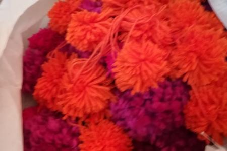 Помпоны разноцветные для гирлянд