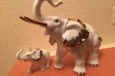Слоны фарфоровые