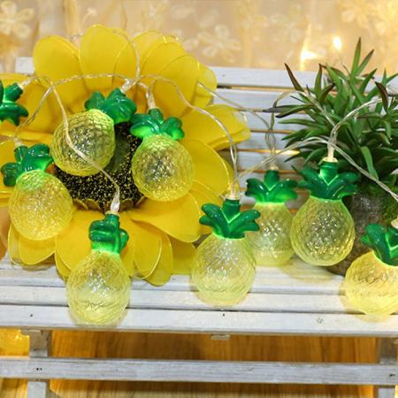 Гирлянда с ананасами