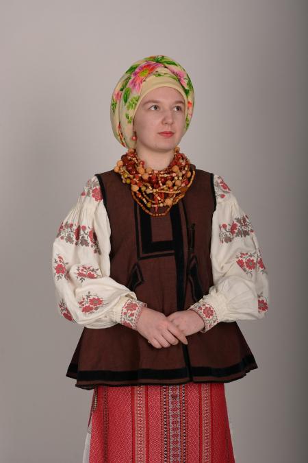 Костюм украинский женский 1