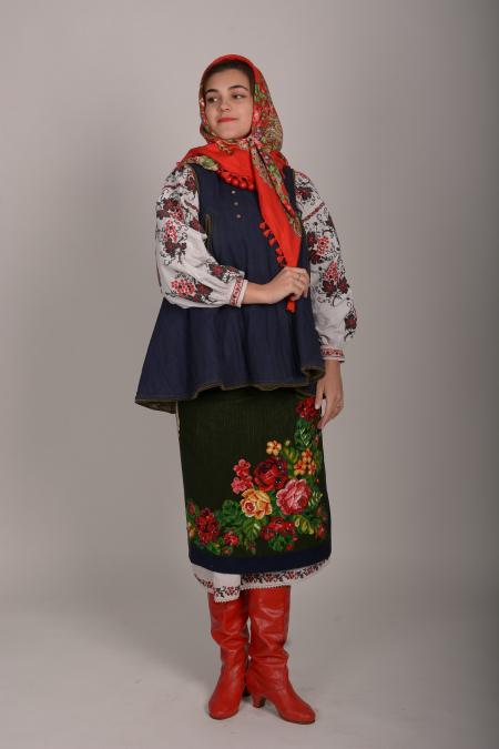 Костюм украинский женский 2