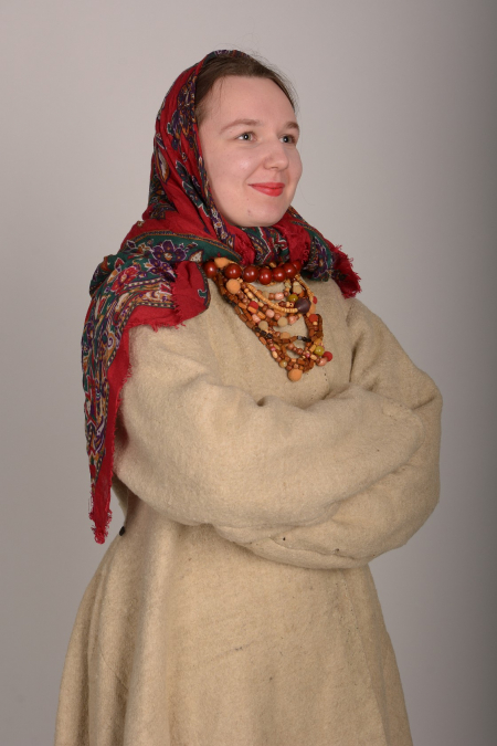 Костюм украинский женский (зима)