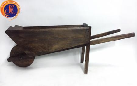 Тачка деревянная