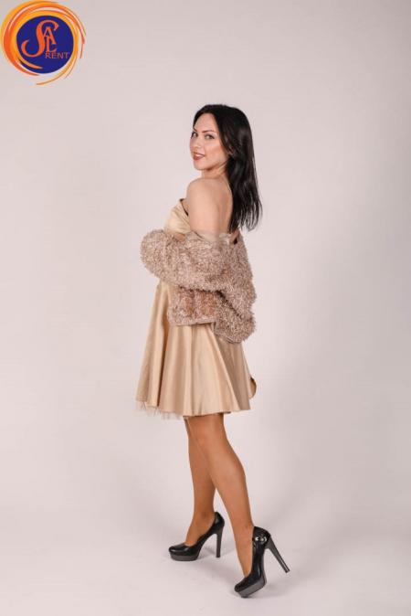 Платье бежевое атласное с шубкой