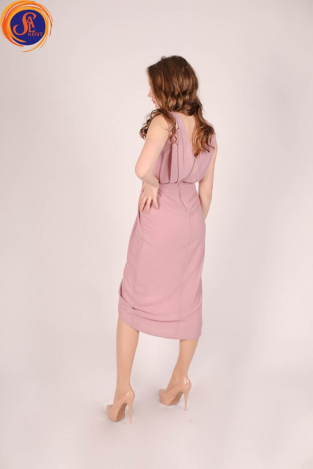 Платье цвета «пудра»