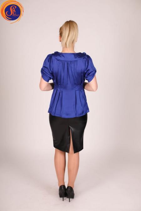 Блуза с розами синяя