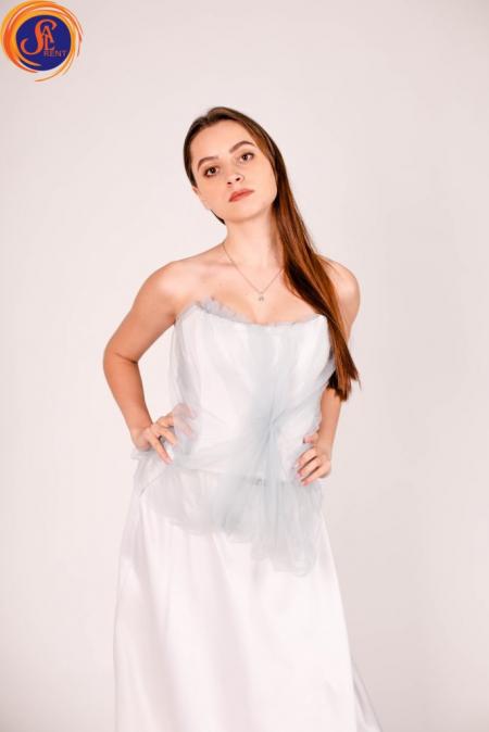 Белый костюм с корсетом