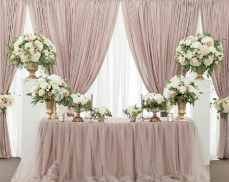 Свадебный президиум, оформление стола молодых | SAL-rent