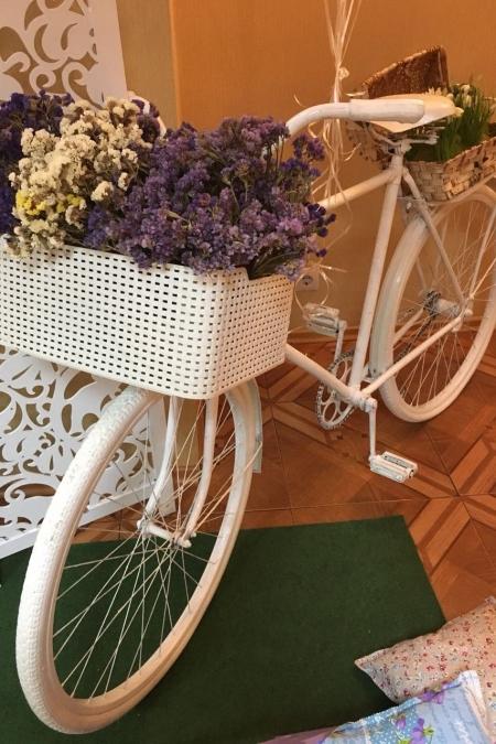 Фотозона «Прованс» с велосипедом