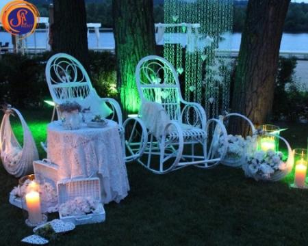 Аренда кресло-качалки плетеной белого цвета, 300 грн. Киев | SAL-rent